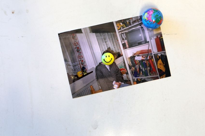 ∞ Detail – Whirlpool SPA (2019-20) – 35mm photograph, novelty refridgerator magnets ∞