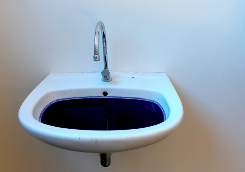 ∞ Sink (2020) ∞ Sink, water, blue dye ∞